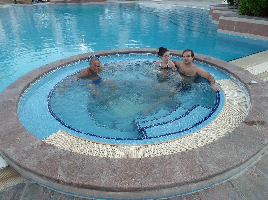 Shangri La Barr Al Jissah Resort & Spa-Al Husn: Al Husn Jacuzzi