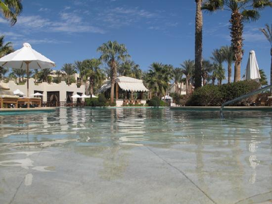 Four Seasons Resort Sharm El Sheikh: The main pool , fabulous