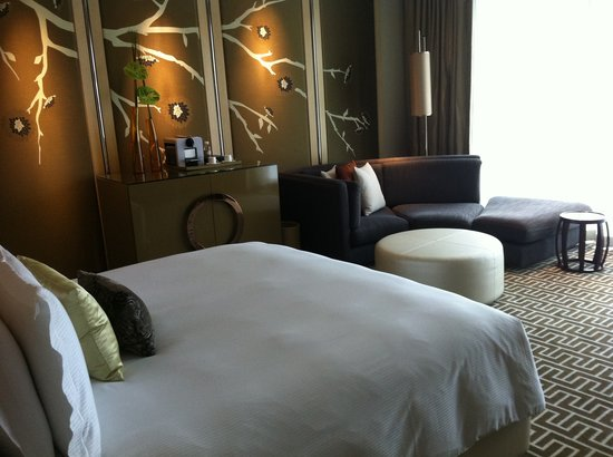 Crown Towers at City of Dreams : Specious room