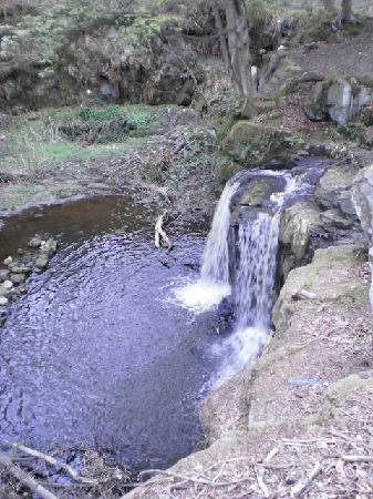 Balmule House: Balmule water falls