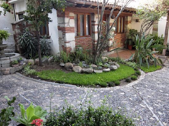 Encanto Jalatlaco : Garden View with the room Felipe