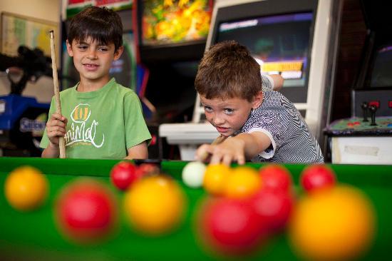 St. Ives Hotel: Games Room