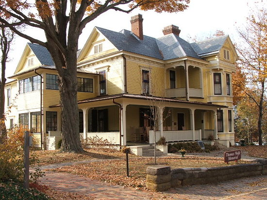 Thomas Wolfe Memorial: There's Something New to Explore With Every Change of Season