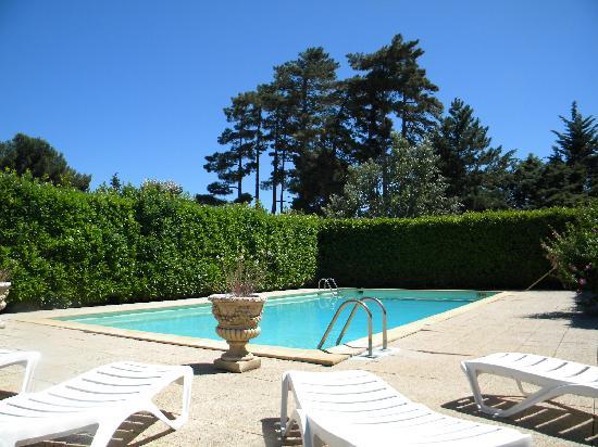 Le Mas de l'Olivier : La piscine