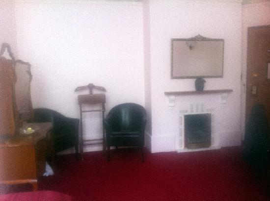 The County Hotel Napier: More of the room