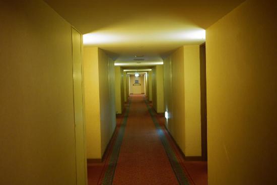 ฮิลตัน โคลัมโบ: The corridor on 7th Floor