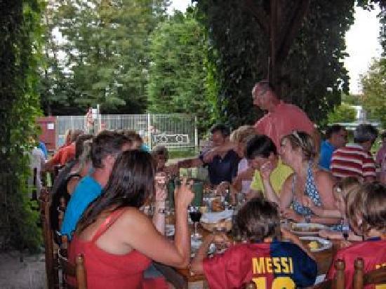 Gannay-sur-Loire, France : la table d'hôte