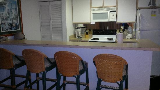 Sunrise Suites Resort: Kitchen area