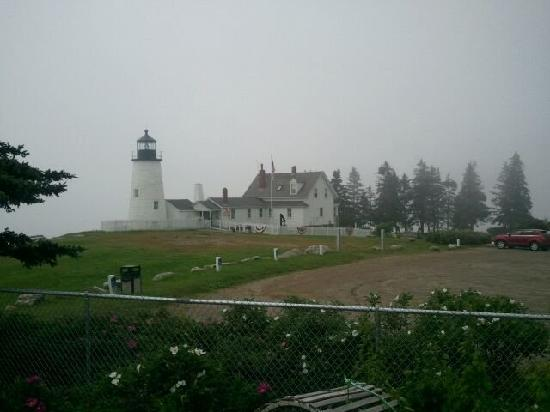 Sea Gull Restaurant: the Lighthouse is just feet from the Seagull Restaurant