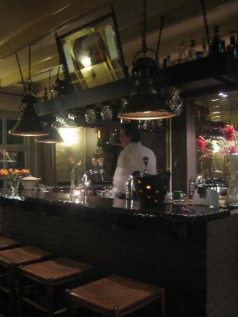 De Oude Toren: Antique bar room