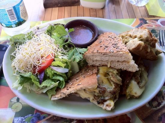 100% Natural : Grilled Chicken Sandwich w/ Mustard