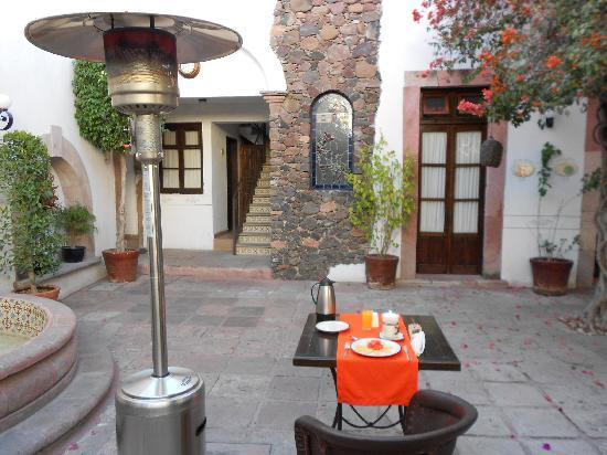 Hotel Villa del Villar: All set for breakfast