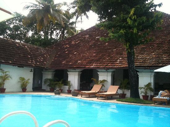 Raheem Residency: Pool