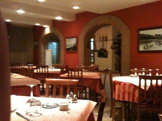Sermide, Italy: restaurant gedeelte