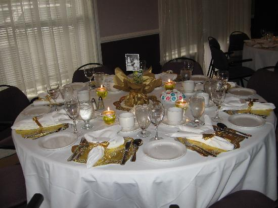 Hotel L'Oiseliere - Montmagny: l'une des tables lors de la fête