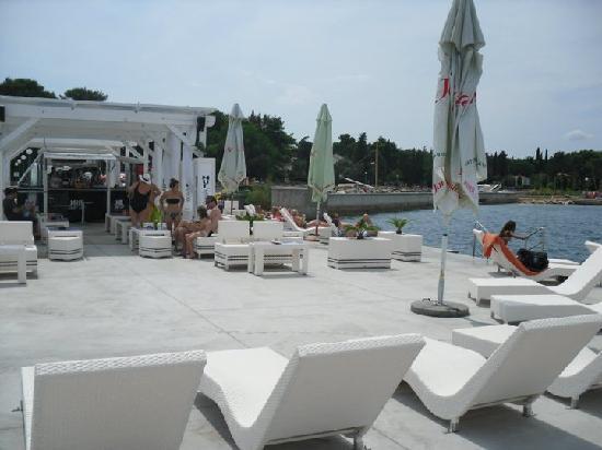 """Hotel Malin: the """"beach"""" of malinska"""