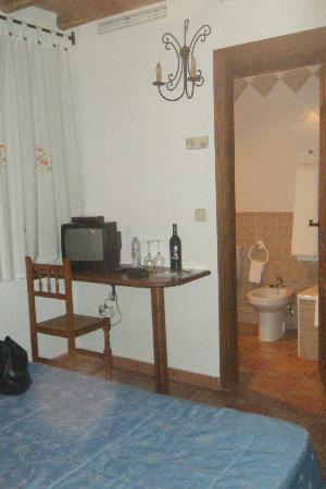 Hotel Ropino: habitación