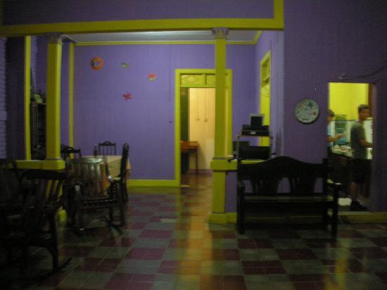 Casa Romano: TV and Library Area