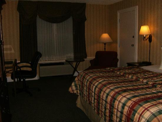 Red Lion Hotel Pocatello: room with king bed