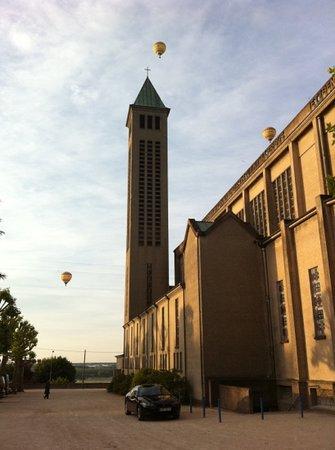 Basilique Notre-dame De La Trinite