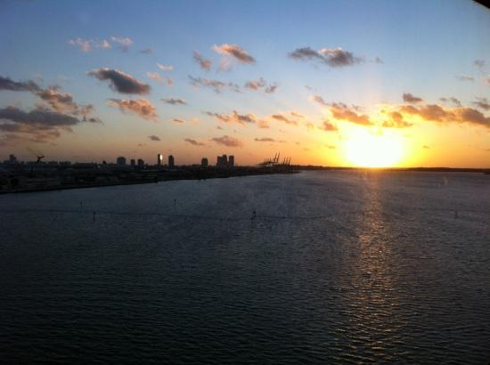 InterContinental Miami: sunrise from our room