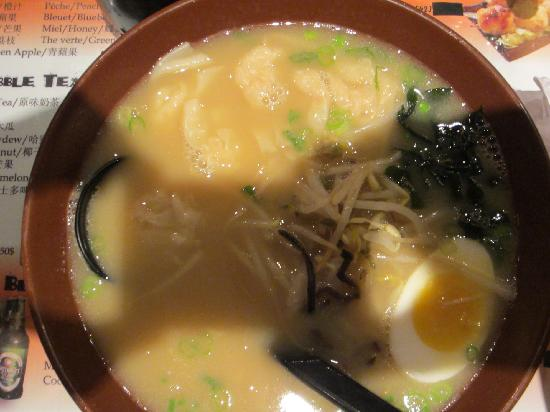 ramen raviolis crevettes picture of sumo ramen montreal tripadvisor. Black Bedroom Furniture Sets. Home Design Ideas