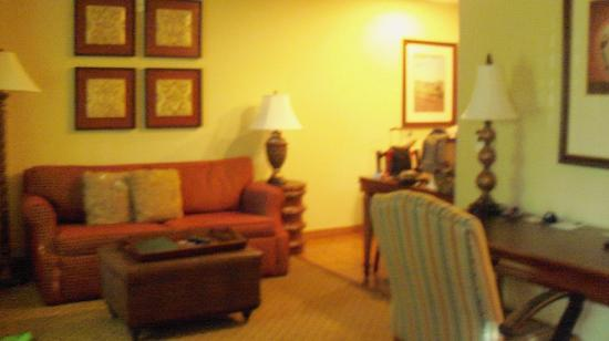 Homewood Suites Ft. Lauderdale Airport & Cruise Port : living/dining area