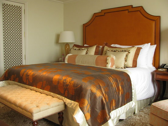 The Taj Mahal Palace: Very Comfy Bed - Club Room