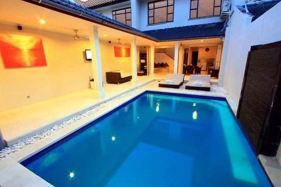 Kuta Regency Villa (B10): Four bedroom Pool