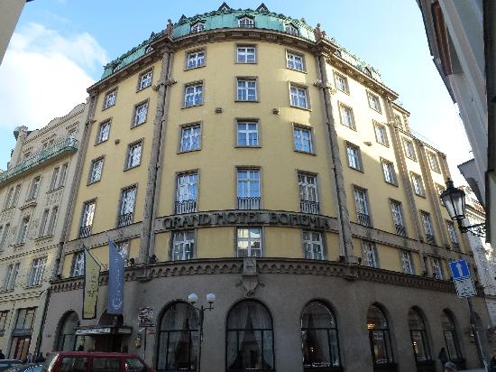 Front entrance to hotel grand hotel bohemia for Grand hotel bohemia hotel prague