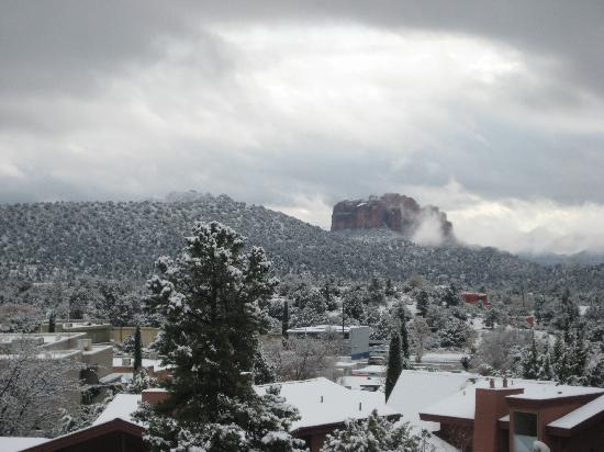 Alma de Sedona Inn Bed & Breakfast: View from Window