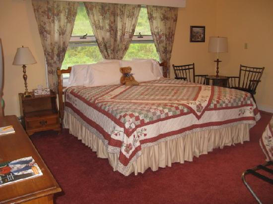 Londonderry Inn: Another one of our guest rooms