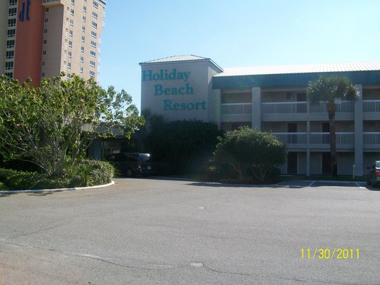Destin Holiday Beach Resort 2: The Main building.