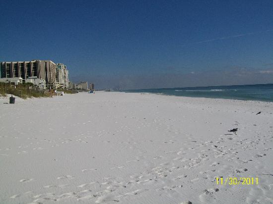 Destin Holiday Beach Resort 2: The Beach