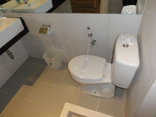 Pohon Inn : Toilet