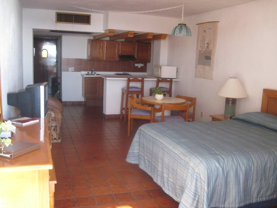 Costa de Oro Beach Hotel: Studio w/ Kitchen