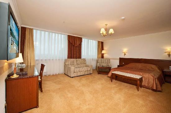"Intourist-Krasnodar Hotel: Номер ""Делюкс"""