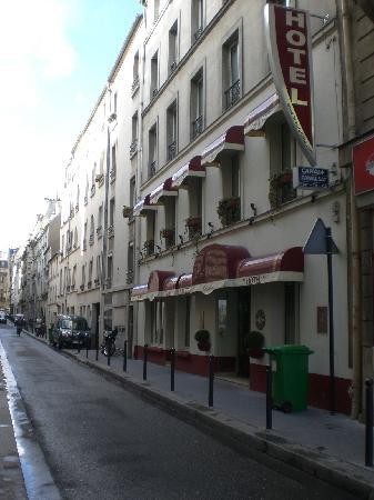 Hotel de la Felicite : facade of hotel