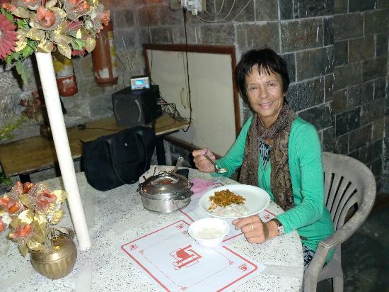 OYO 2902 Hotel Lal's Haveli: enjoying my dinner