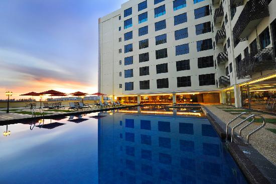 Ming Garden Hotel & Residences: Swimming Pool