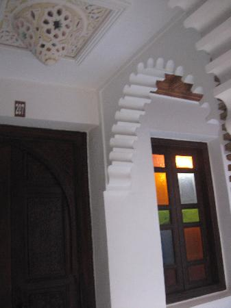 Riad Hotel Assia: finestre colorate..in caso di pioggia