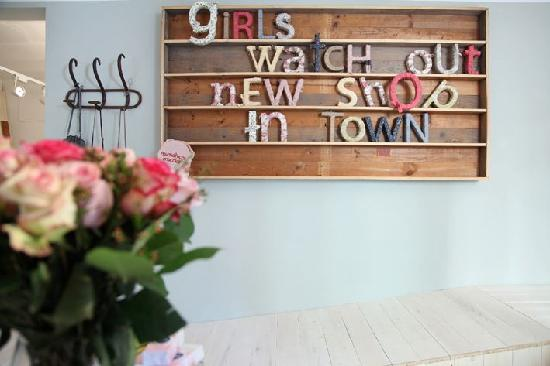 Mimotica Micola: Girls Watch Out, New Shop in Town