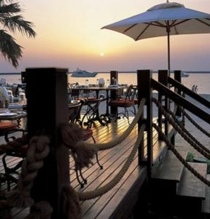 The Beach Bar & Grill : Beach Bar & Grill at The Palace at One&Only Royal Mirage