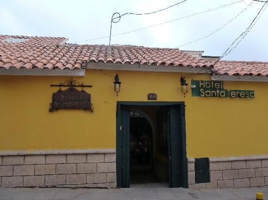 Hotel Santa Teresa : HOTEL ENTRANCE
