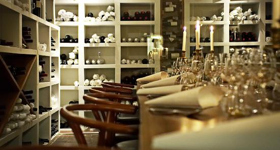 Fuego : wine cellar for private dinning