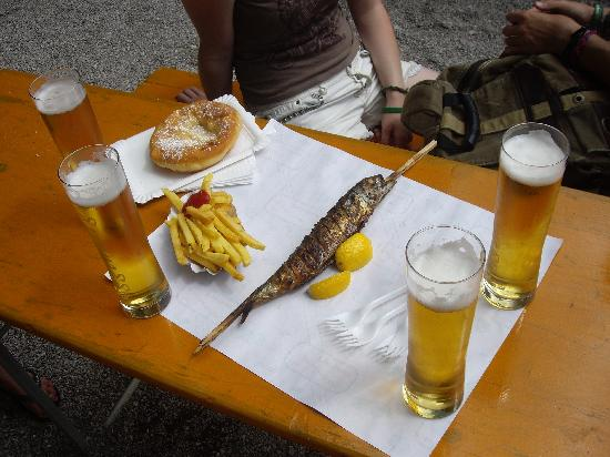 The Treehouse Backpacker Hotel: Fish on a stick, very tasty, with beer