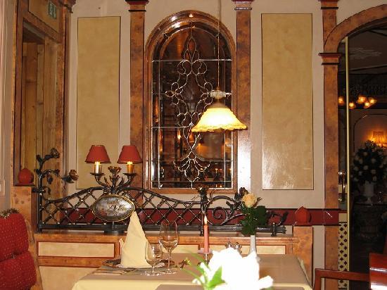 Hotel Engel Obertal: Vue de notre table dans le restaurant gastronomique