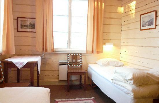 Kvikkjokk Fjallstation: twin room