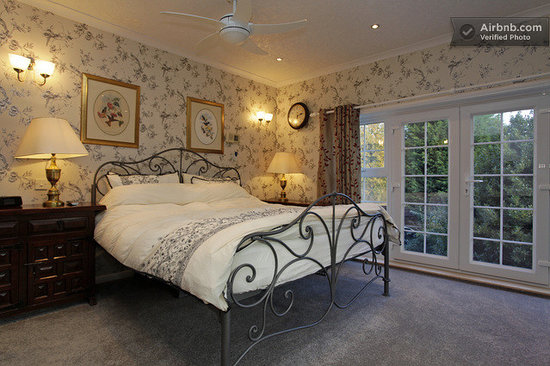 Bed and Breakfast Maidstone: silver room