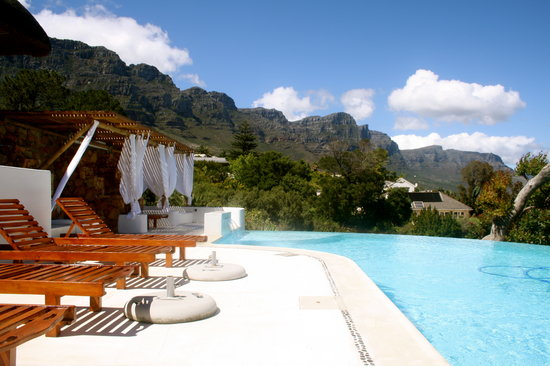 Camps Bay Ridge Guest House: Infinity Pool